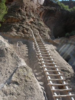 Bandalier,NM-ladder